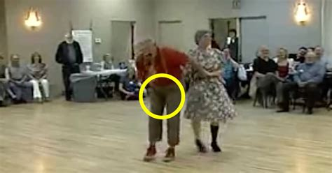Suddenly old man grabs his crotch – seconds later everyone
