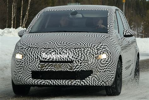 Possible Future Citroen C4 Picasso Spotted Testing | Top Speed
