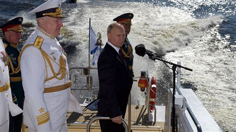 Putin: Russian Navy to be armed with hypersonic strike