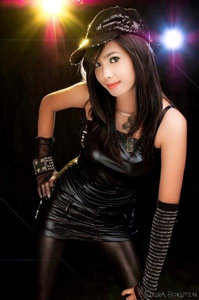 Myrtle Sarrosa: Cosplay's Sexiest Fangirl Is Not A Kid