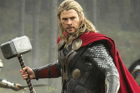 """Thor has a new haircut in """"Ragnarok,"""" and Twitter has a"""