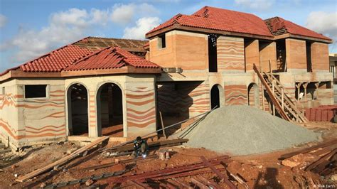 In Ghana, new updated mud houses could be the future | Eco