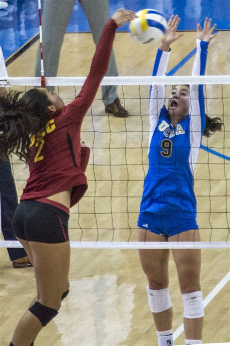Women's volleyball to settle on starting setter for